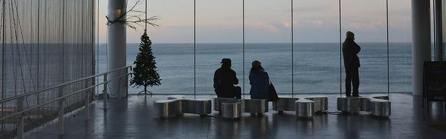 常磐線日立駅から眺める海